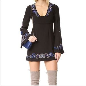 🌸Free People🌸 Embroidered Bell Sleeve Mini Dress